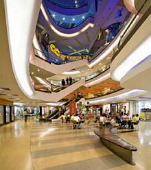 8bec7d6371443 El Centro Comercial Oviedo se caracteriza por tener una estructura  arquitectónica abierta