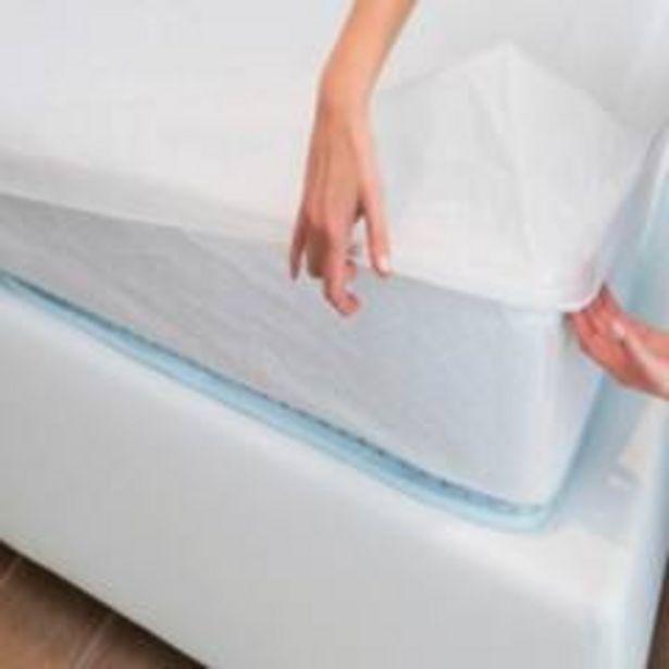 Oferta de Protector Colchón Basic Blanco Liso por $37900