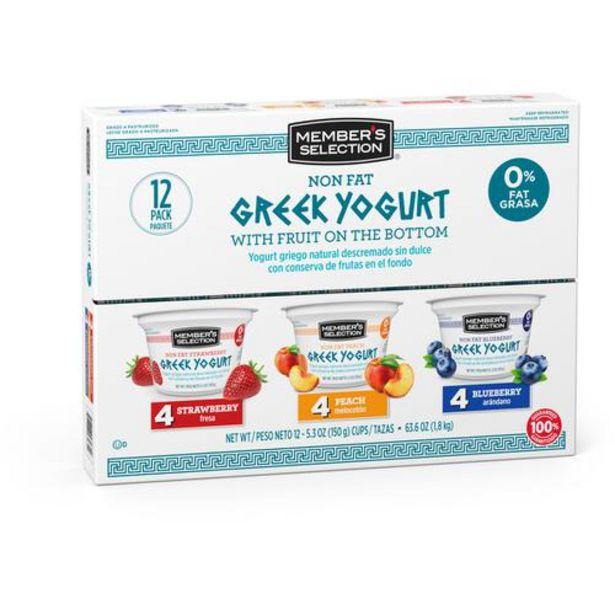 Oferta de Member's Selection Yogurt Griego Natural Descremado Sin Dulce con Conserva de Frutas en El Fondo 150 g / 5,3 oz 12 Unidades por $54900