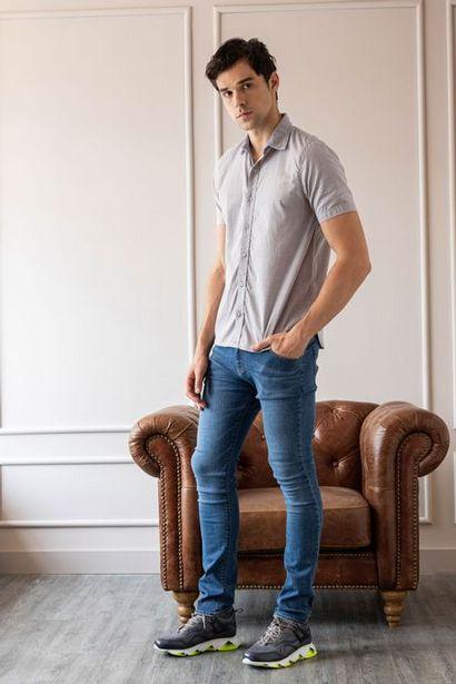 Oferta de Jeans semifitted denim arrugas 3D por $119950