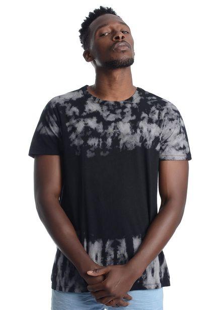 Oferta de Camiseta hombre negra tie dye por $35000
