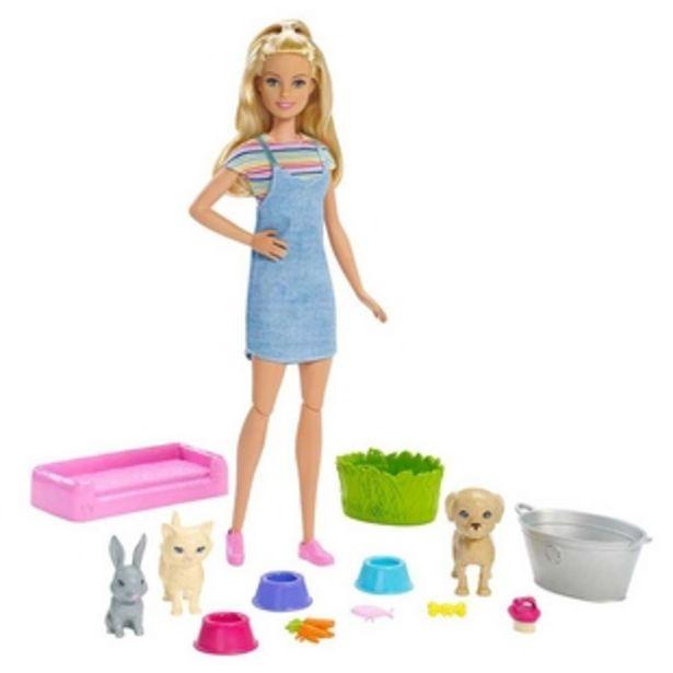 Oferta de Muñeca Barbie Baño de Perritos MATTEL por $90930